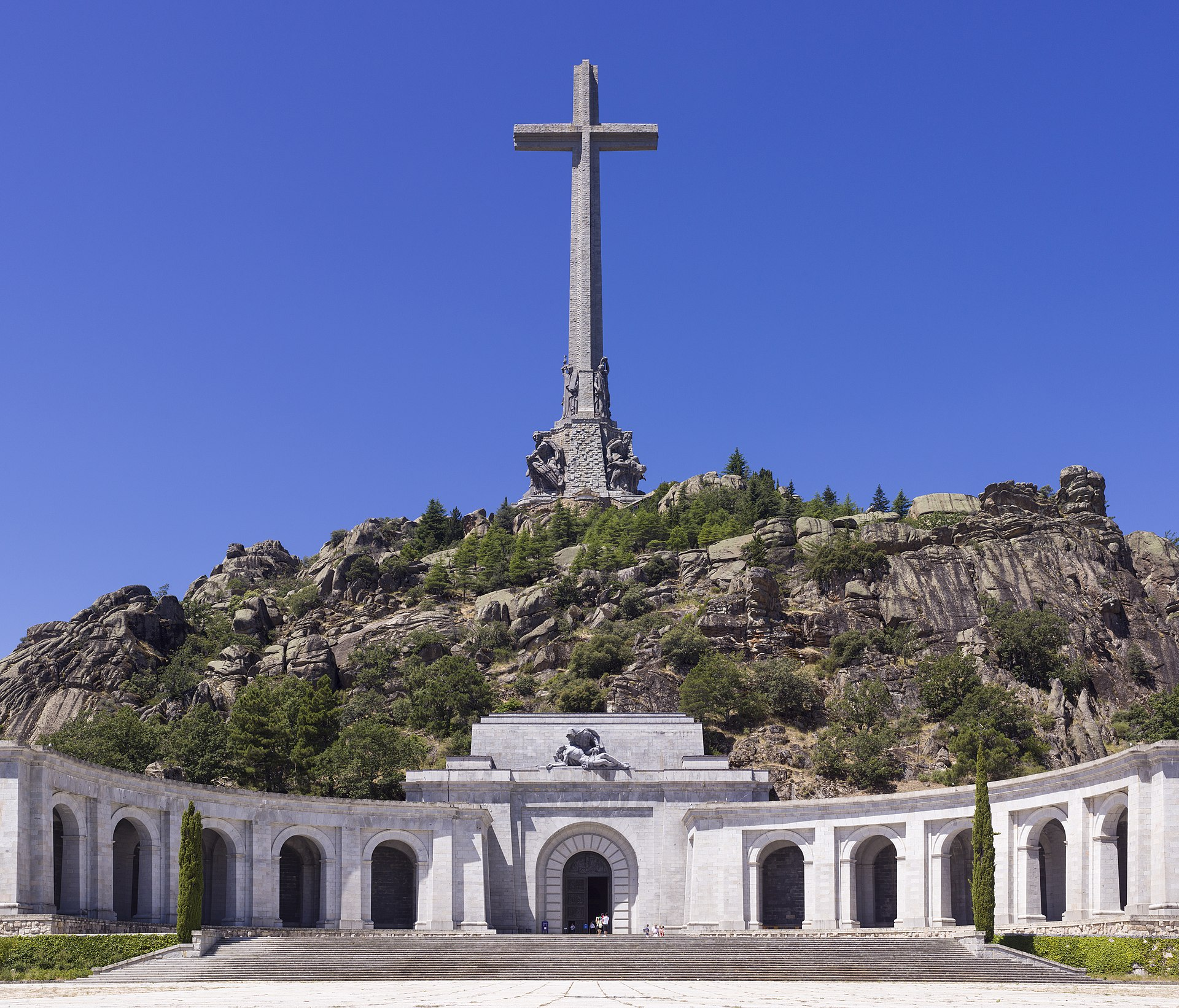 Franco's remains can be exhumed, Spain's Supreme Court says